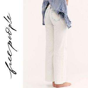 ✨ Free People ✨ NWT! High-Rise Flare Jeans